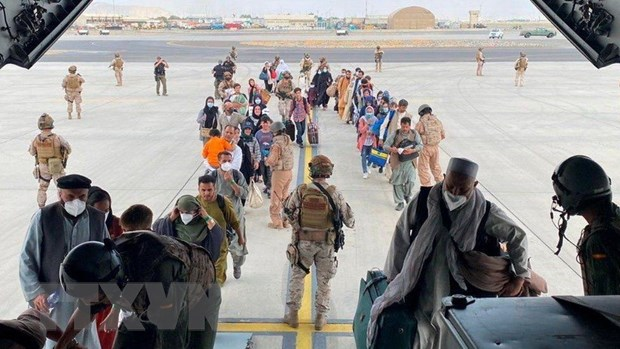 Tinh hinh Afghanistan: Tang cuong hoat dong so tan tai san bay Kabul hinh anh 1