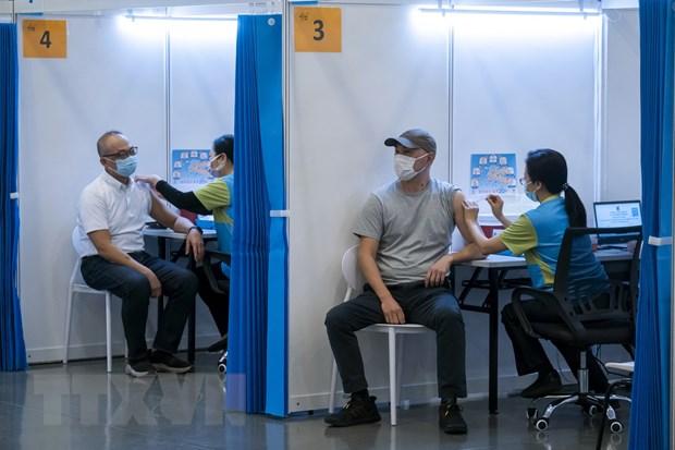 Hong Kong kho dat muc tieu 70% dan so tiem chung vao cuoi thang 9 hinh anh 1