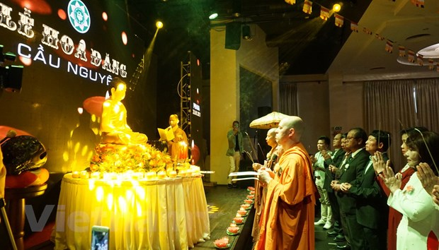 Tiep noi dao nghia tri an cua nguoi Viet trong Dai le Vu Lan tai Sec hinh anh 2
