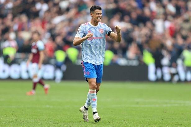 Premier League: Chelsea len ngoi dau, Ronaldo tiep tuc ghi ban hinh anh 1