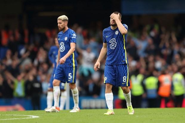 Premier League: Man City ha Chelsea, M.U bai tran tren san nha hinh anh 2