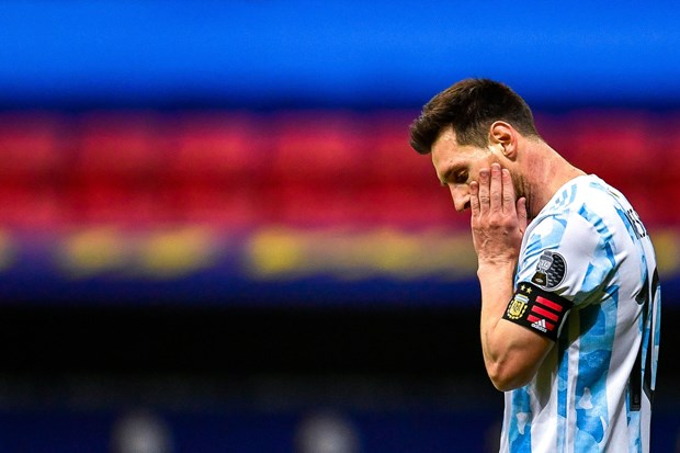 Vong loai World Cup 2022: Argentina chia diem, Brazil thang nguoc hinh anh 1