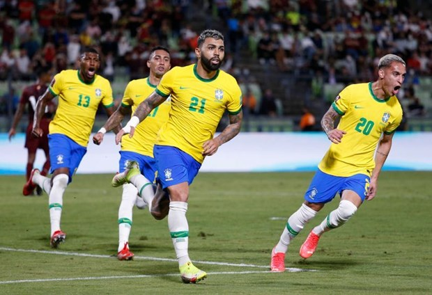 Vong loai World Cup 2022: Argentina chia diem, Brazil thang nguoc hinh anh 2
