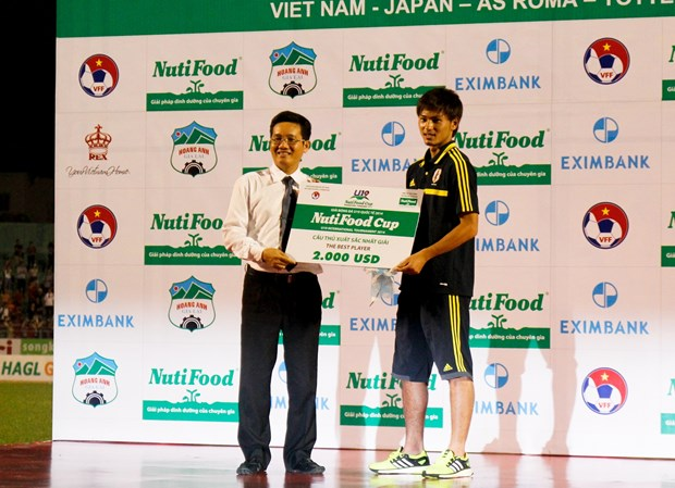 U19 Nhat Ban thau tom toan bo cac giai thuong lon hinh anh 3
