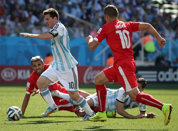 Nhung ly do khien Qua bong Vang chi thuoc ve Leo Messi hinh anh 3