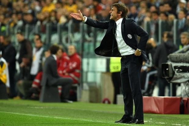 Cuu HLV Barca lam thuyen truong Argentina, Conte dan dat Italy hinh anh 2