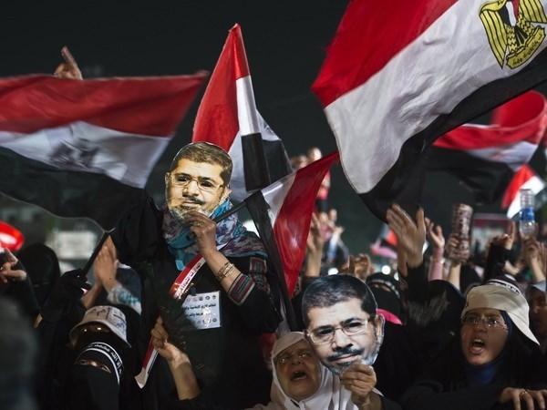 Ai Cap phat tu 18 nguoi ung ho cuu Tong thong Mohamed Morsi hinh anh 1