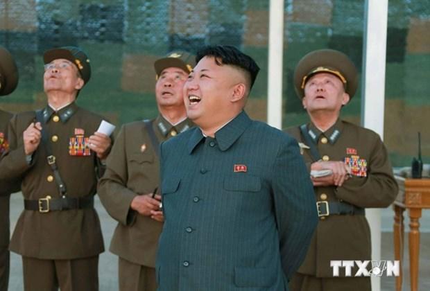 Ong Kim Jong-un di thi sat va chi dao don vi huan luyen phi cong hinh anh 1