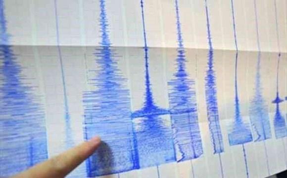 Dong dat manh 6,6 do Richter o Indonesia, nguoi dan hoang loan hinh anh 1