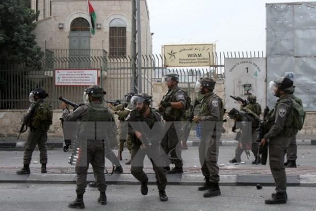 Israel trien khai them hang tram binh sy den Jerusalem tuan tra hinh anh 1