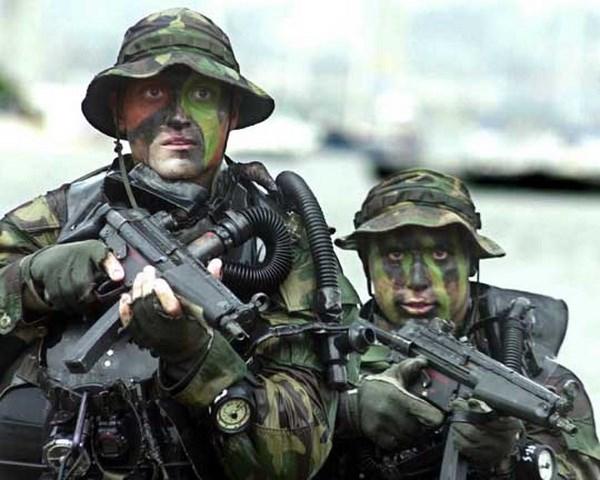 Mot linh dac nhiem SEAL bi cac tay sung cua IS sat hai o Iraq hinh anh 1