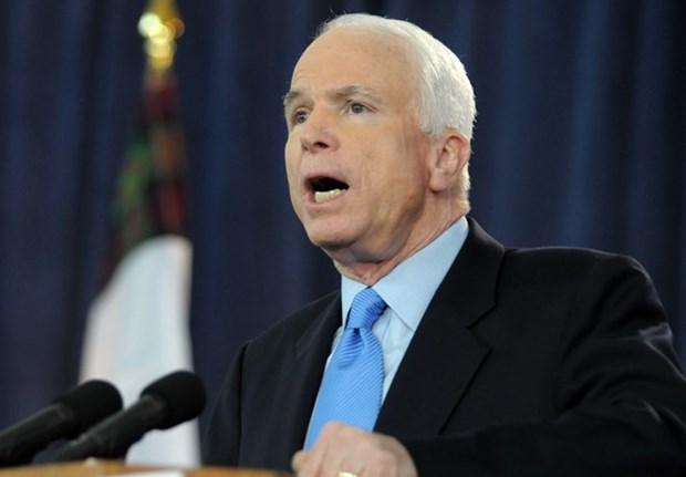 Ong John McCain: Bo cam van vu khi voi Viet Nam co y nghia quan trong hinh anh 1