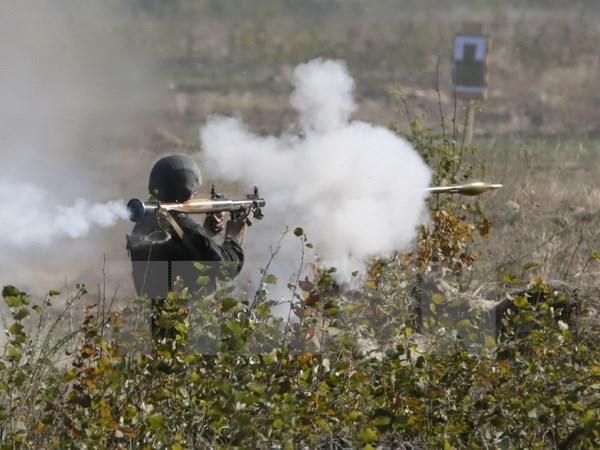 Ukraine tang cuong trien khai quan doi pho voi quan doi Nga hinh anh 1