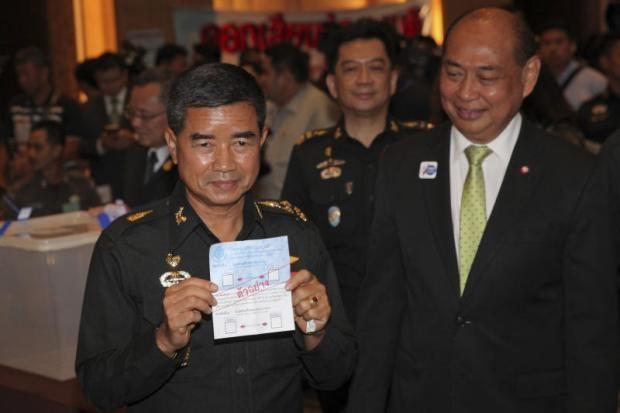 Thai Lan chuan bi thay Tu lenh Luc quan do tinh hinh bat on hinh anh 1