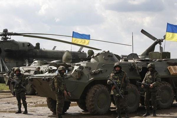 Chinh quyen Crimea keu goi Lien minh chau Au trung phat Ukraine hinh anh 1