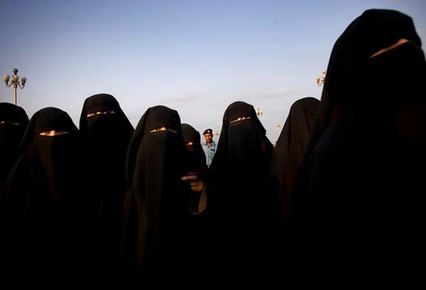 Tunisia triet pha mot mang luoi khung bo nguy hiem gom toan phu nu hinh anh 1