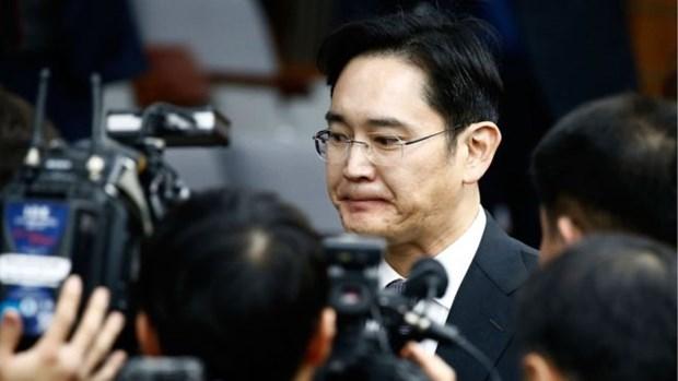 Pho Chu tich Samsung bi tham van vi dinh den be boi cua Tong thong hinh anh 1