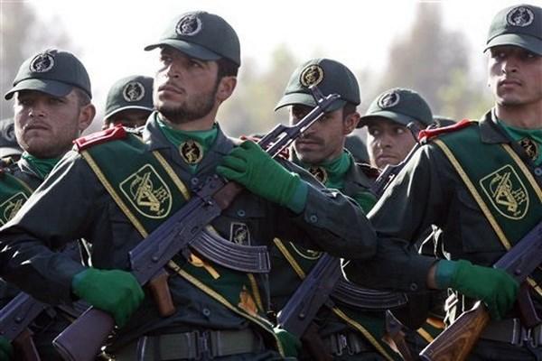 Mot chi huy dia phuong cua Ve binh Cach mang Iran bi khung bo am sat hinh anh 1