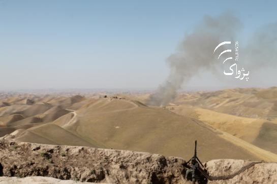 Afghanistan: Hon 50 nguoi chet trong cuoc tan cong cua Taliban va IS hinh anh 1