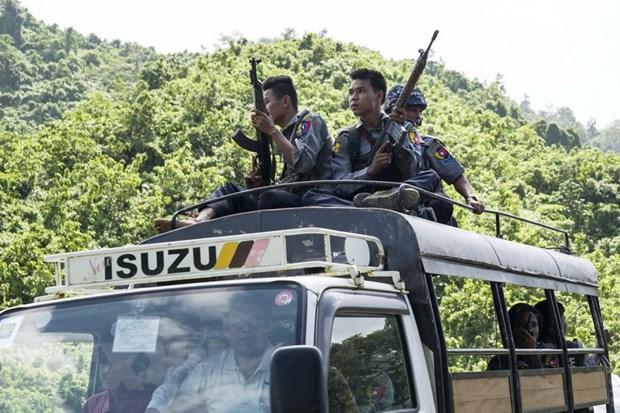 Myanmar siet chat an ninh tai cac cua khau bien gioi va san bay hinh anh 1