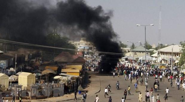 Danh bom lieu chet o Nigeria khien hang chuc nguoi thuong vong hinh anh 1