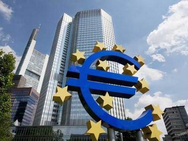 Phap va Duc nhat tri som dua ra lo trinh cai to Eurozone hinh anh 1