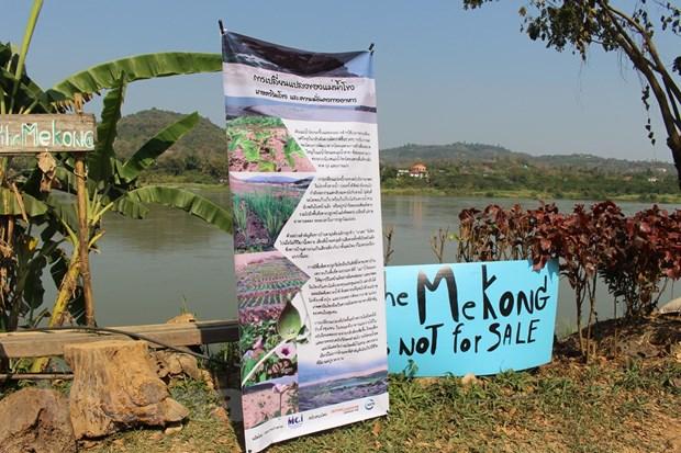 "Nguoi dan luu vuc Mekong gui thong diep bao ve ""dong song me"" hinh anh 2"