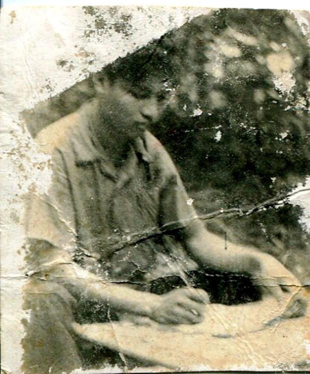 Giai phong Phnom Penh va cau chuyen ve giao su trong nha tu Khmer Do hinh anh 2
