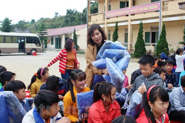 Hanh trinh tiep lua suoi am hoc sinh truong ban tru Ta Van Ha Giang hinh anh 2