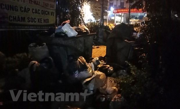 Chan xe tai khu xu ly chat thai Nam Son khien ham chung cu 'ngap rac' hinh anh 1