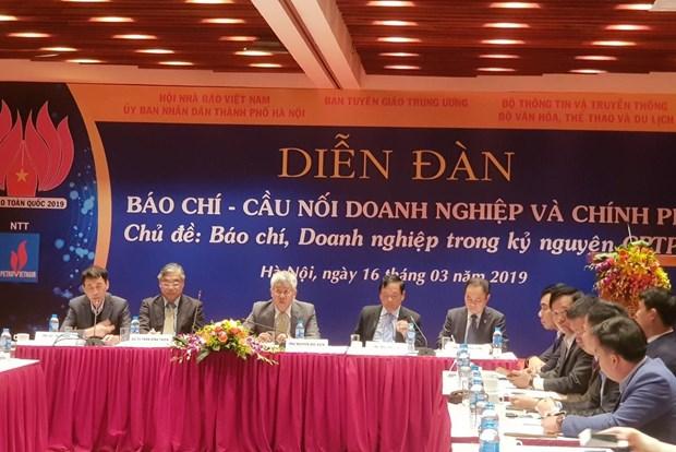 Bao chi va doanh nghiep: Khong de 'thuyen thung vuon khoi' hinh anh 1