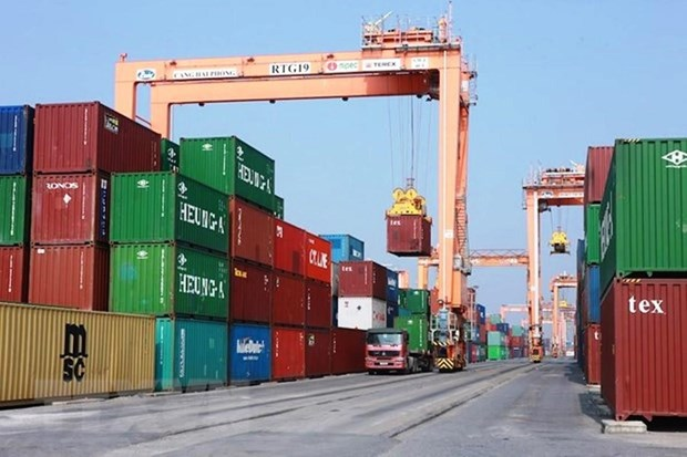 Con gan 4.000 container phe lieu nhua ton du tai cang bien Viet Nam hinh anh 1