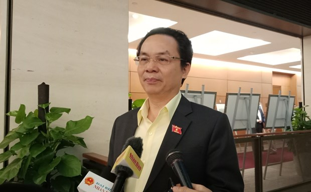 Tra loi chat van: Bo truong Cong thuong ''di thang vao van de nong' hinh anh 1