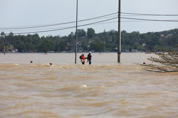 Một số nơi tại huyện Lệ Thủy nước vẫn ngập sâu. (Ảnh: Thành Đạt/TTXVN)