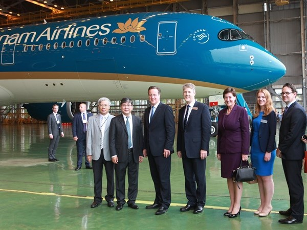 Thu tuong Anh chup anh cung may bay moi A350 cua Vietnam Airlines hinh anh 1