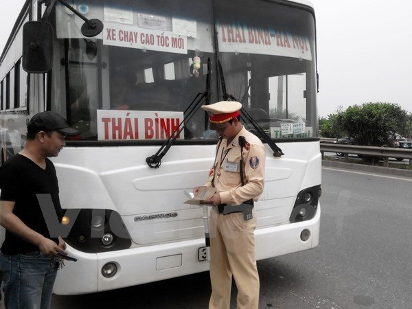 "Bo truong Thang: ""Khong the sua doi hoi hot Luat Giao thong"" hinh anh 2"