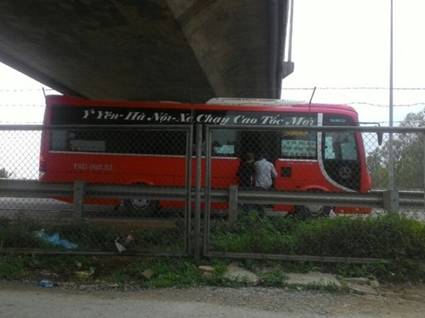 """Xe 3 lan vi pham, tu choi phuc vu tren cao toc thi chi ban sat vun"" hinh anh 3"