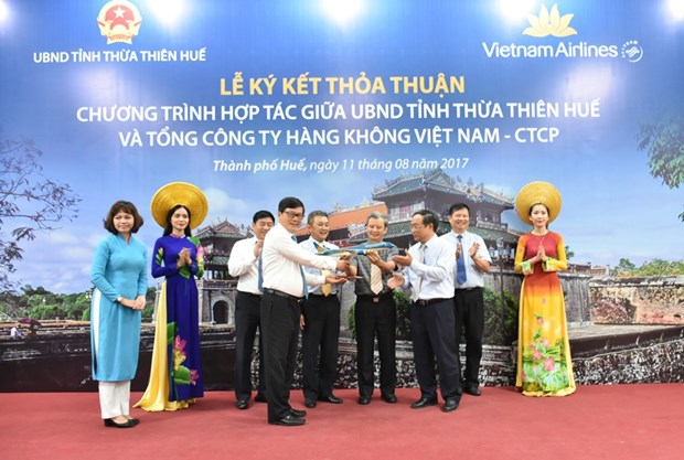 Vietnam Airlines quang ba hinh anh, diem den du lich cua Hue hinh anh 2