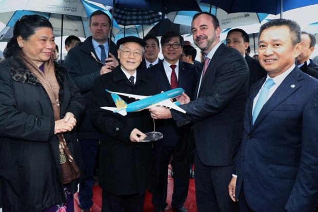 Tap doan Airbus ban giao may bay cho Vietnam Airlines va Vietjet Air hinh anh 2