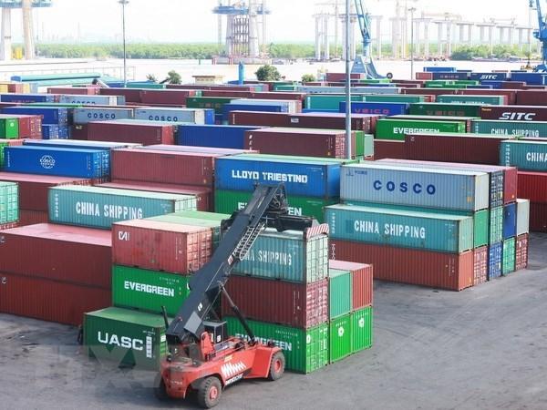 """Hang chuc nghin container 'rac thai' van 'thi gan"""" tai cac cang hinh anh 1"""