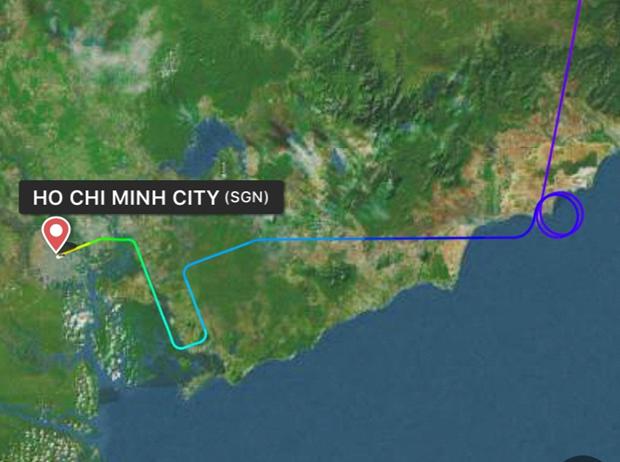 Vietnam Airlines len tieng ve chuyen bay di Duc cham vi cho mot khach hinh anh 1
