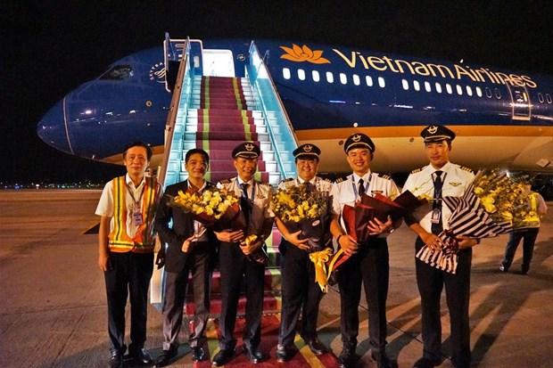 May bay Boeing 787-10 cua Vietnam Airlines da ha canh o Noi Bai hinh anh 2