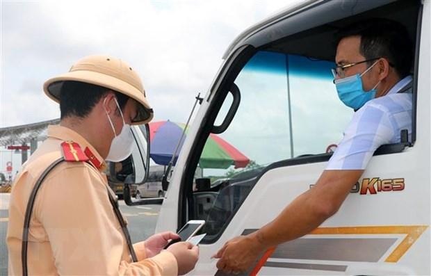 Bo truong Giao thong Van tai: Lap them luong xanh neu qua tai, un tac hinh anh 2