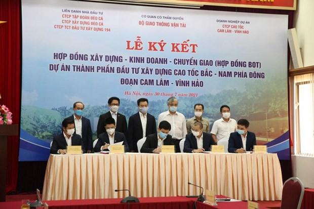 Ky hop dong BOT dau tu cao toc Cam Lam-Vinh Hao gan 9.000 ty dong hinh anh 1