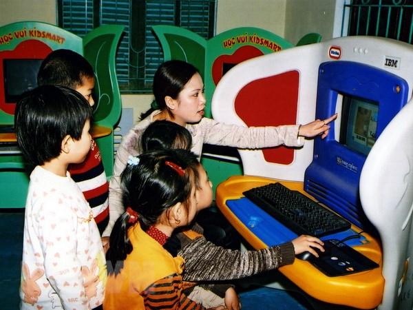 IBM Viet Nam tang dung cu hoc tap cong nghe cao cho tre kho khan hinh anh 1