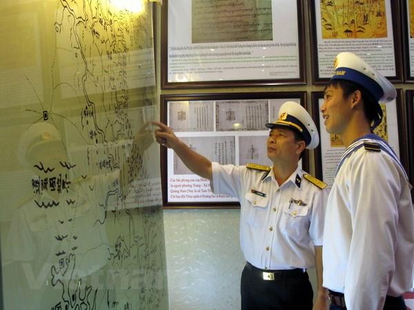 Quang Ninh trung bay bang chung chu quyen Hoang Sa, Truong Sa hinh anh 1