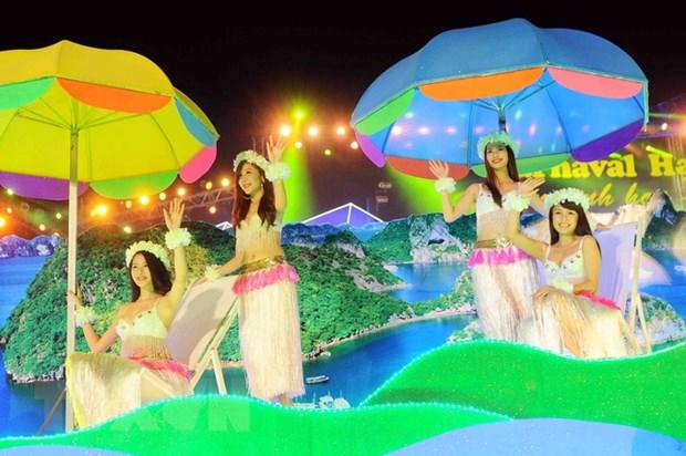 2.700 dien vien bieu dien khai mac Carnaval Ha Long nam 2015 hinh anh 1