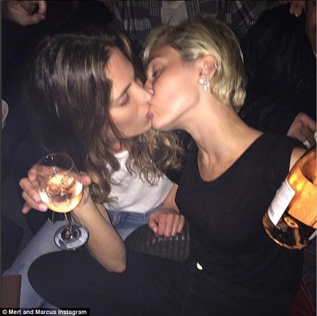 Nu ca sy Miley Cyrus len tieng ve tin don la nguoi dong tinh hinh anh 1