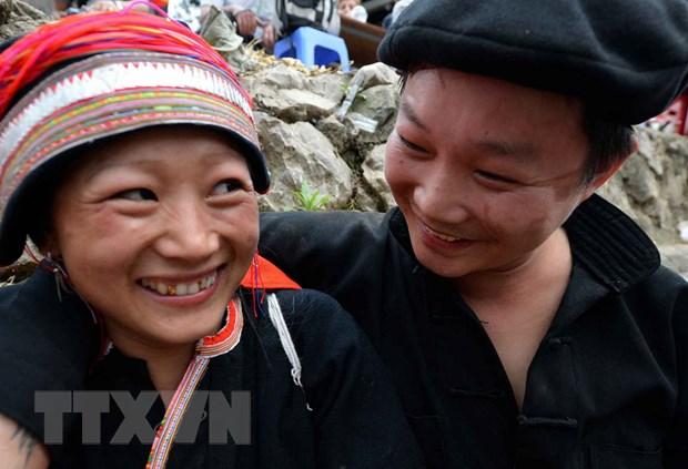 Khai mac Tuan Van hoa, Du lich-Le hoi cho tinh Khau Vai 2015 hinh anh 1