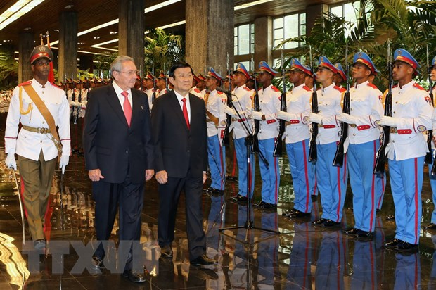 Chu tich nuoc Truong Tan Sang hoi dam voi Chu tich Cuba Raul Castro hinh anh 1